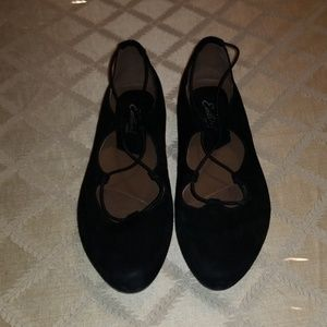 EARTHIES BY EARTH LACE UP FLATS